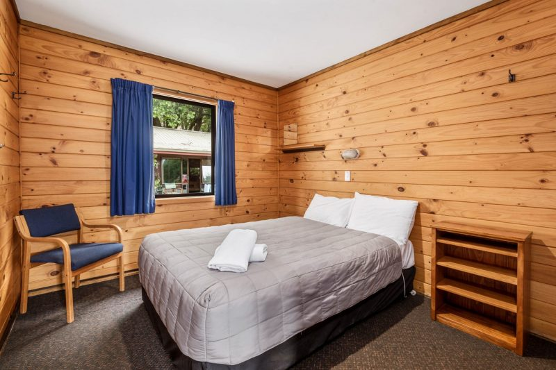 Double room to rent at Altamont Lodge Wanaka