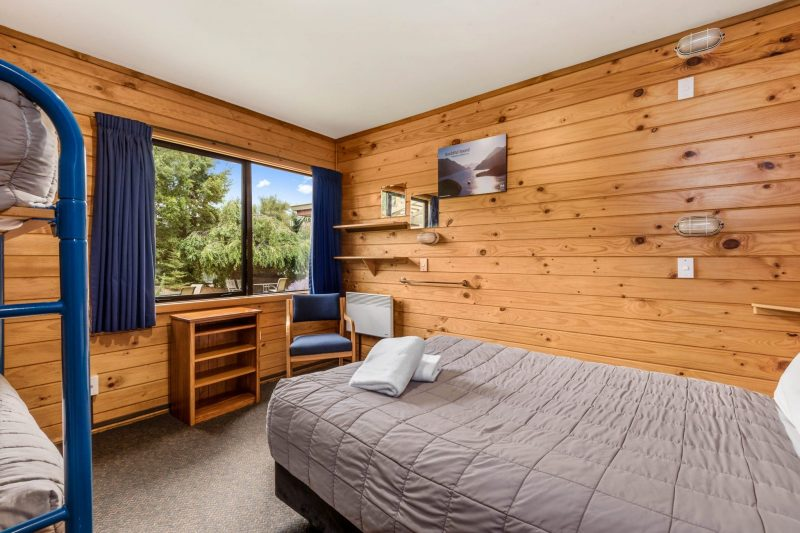 Family group room for 4 people at Altamont Lodge Wanaka